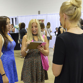 How to Collect Your Own Leads at the Bridal Show